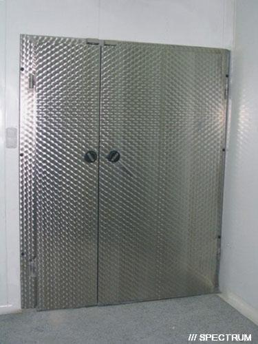 Холодильные двери двустворчатые распашные
